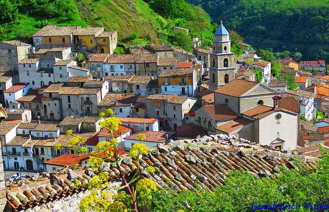 Cascate Di San Fele: Il Borgo